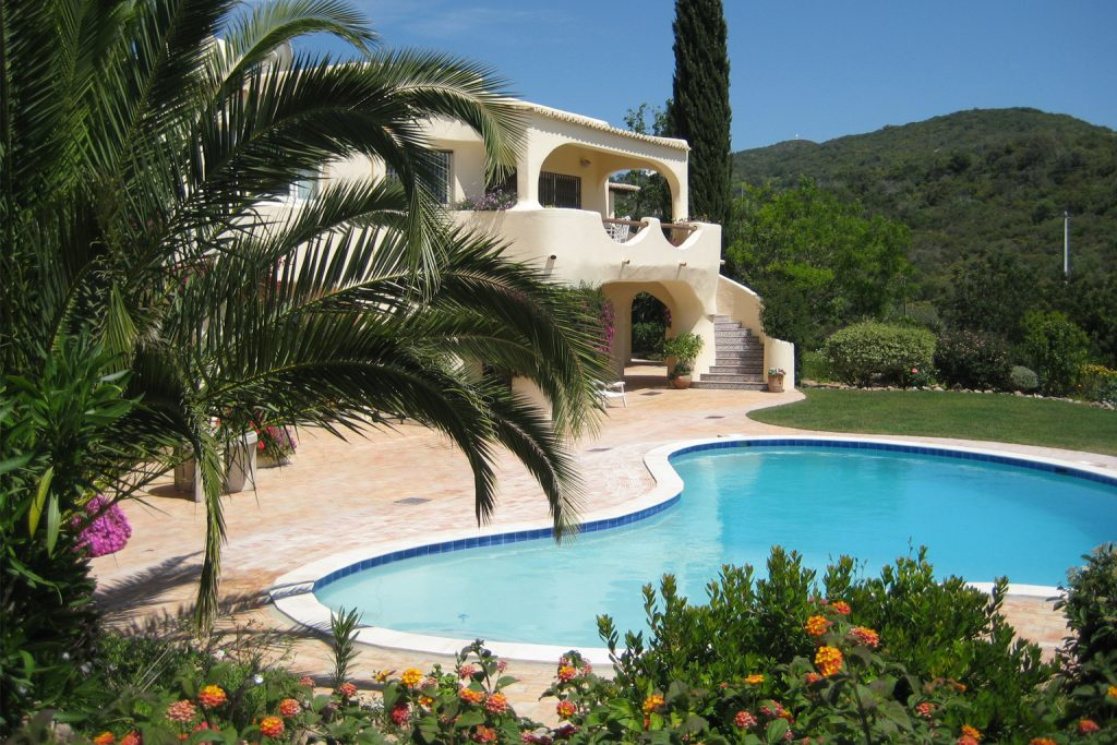 European Suppliers of Natural Pebble Pool Interiors, Europe, France, Français, Portugal, Piscines, Swimming Pool Finishes, Interior Swimming Pool Finishes, Pebble Pool Finishes, Pebble Tech, Swimming Pool Builders, Pool Refurbishments, Spécialiste des Finitions de Piscines Fournisseurs européens de revêtements Pebble pour intérieur de piscines, euro pebbletec, pebbletech europe